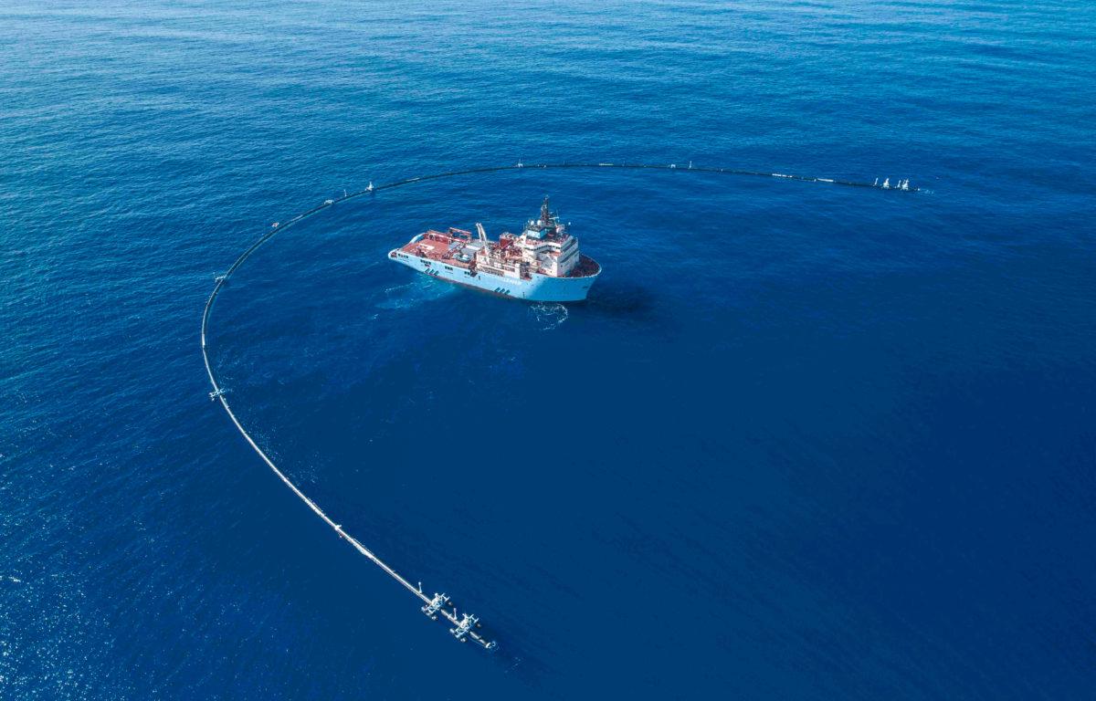 Et Petter Smart-aktig prosjekt ute på havet får mye oppmerksomhet om dagen. Det er allikevel inne på land at de holdbare løsningene på plastproblematikken har blitt funnet.