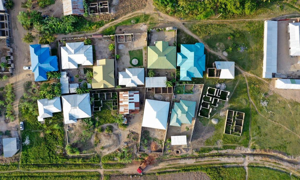 Farvel til det elendige livet i slummen. I løpet av de siste årene har mange afrikanere økt sin boligstandard, så husene har blitt bedre og sunnere å bo i.