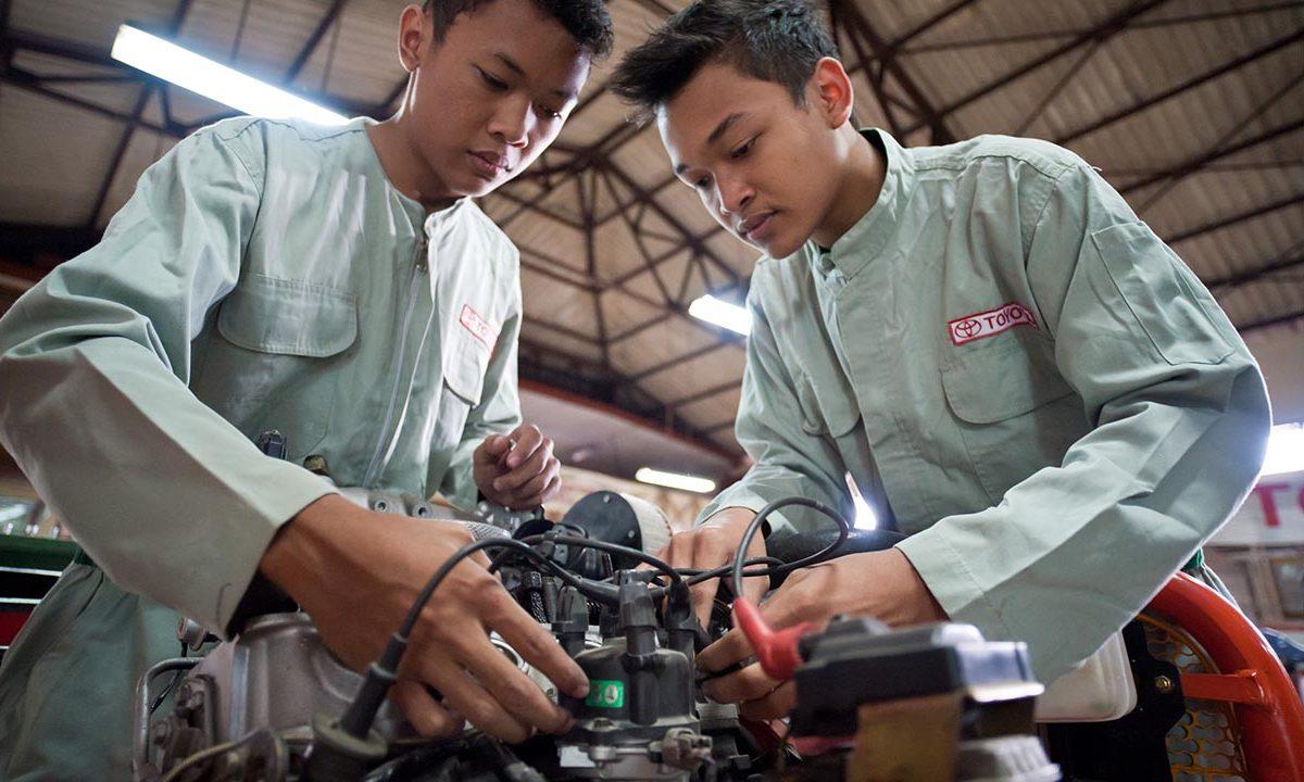 FNs verdensmål mål 8 anstændige jobs økonomisk vækst bæredygtighed