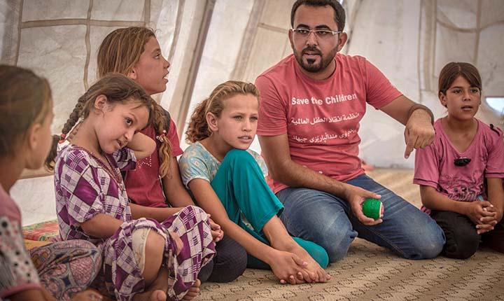 I flyktningleirene får barn lov til å bare være barn for en stund.