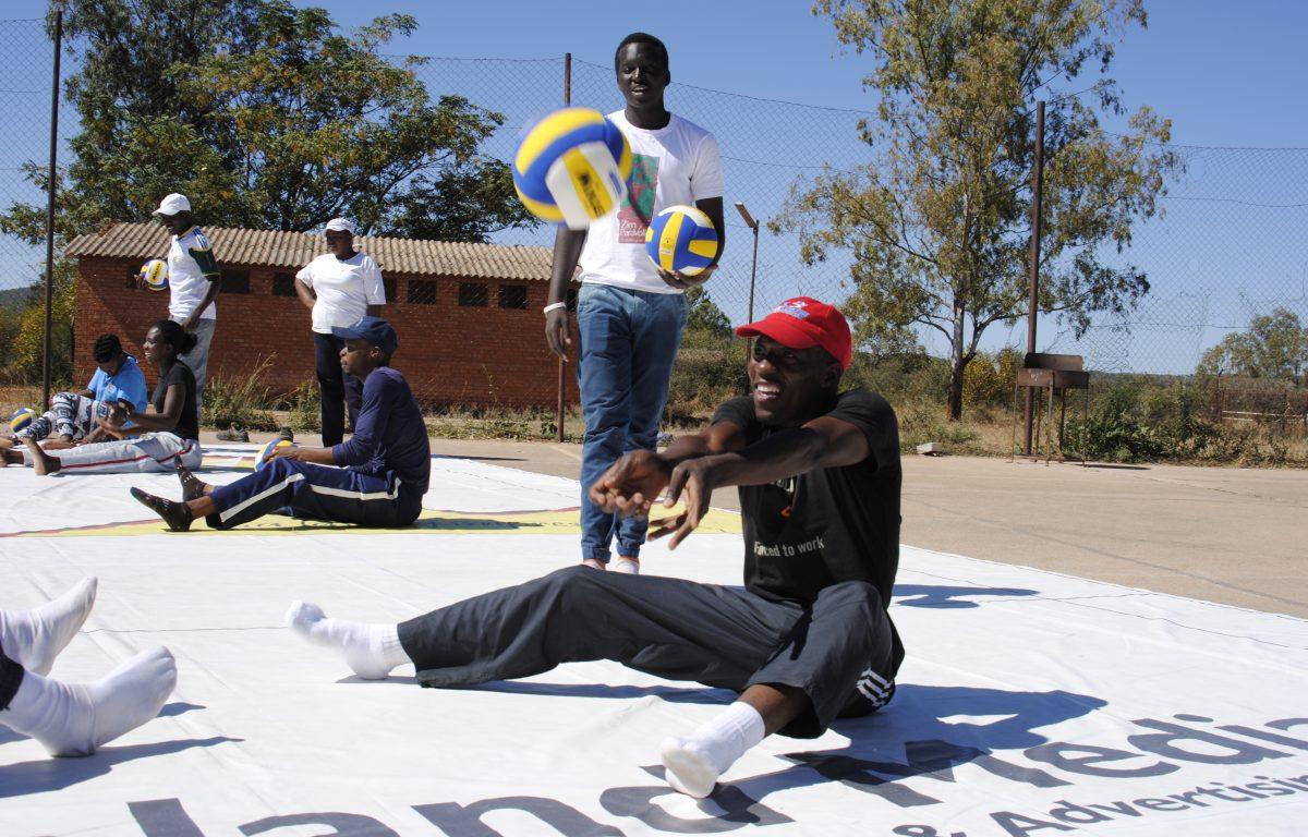 Neste år arrangeres det første  paralympiske volleyballmesterskapet i det sørlige Afrika i Zimbabwe.