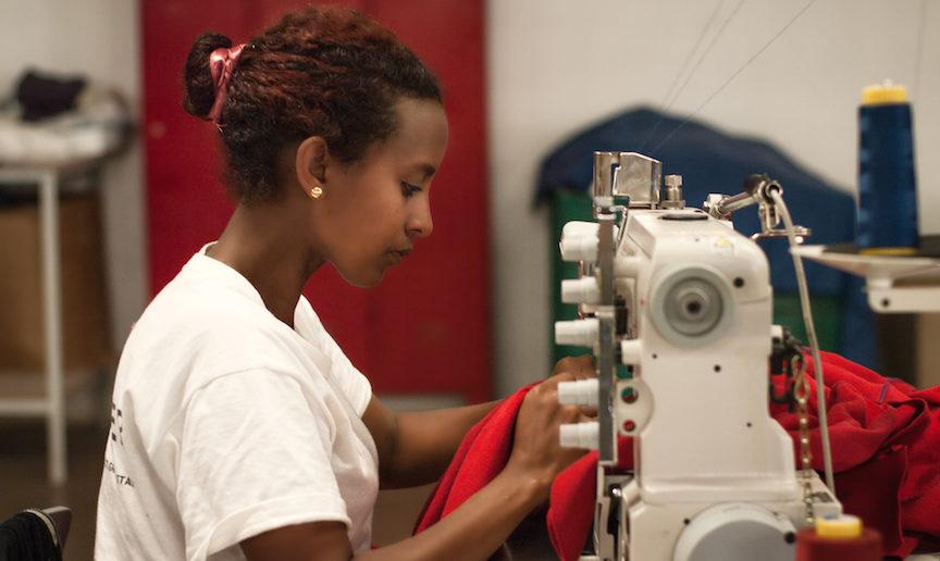 De fleste av verdens kvinner ønsker å ha lønnet arbeid og et flertall av menn støtter dem, viser en stor internasjonal undersøkelse.