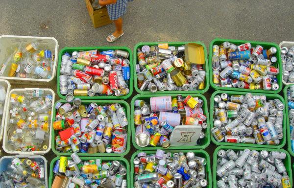 Søppel skader miljøet i en rekke land. Nye innovative løsninger gjør at mer avfall blir resirkulert og gjort om til nye produkter.