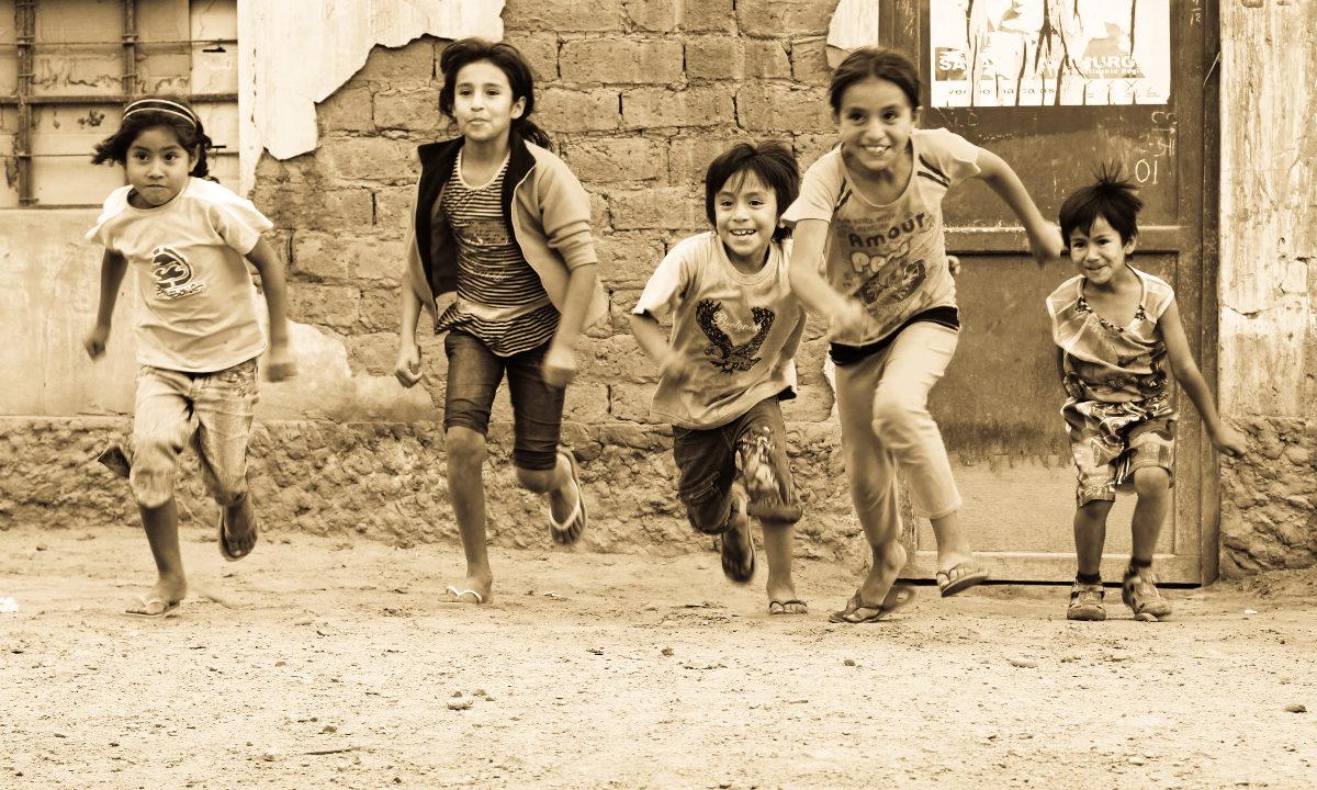 Å investere i bedre mat til små barn i Peru har gitt gode resultater. Nå vokser barna seg høyere, friskere og mer intelligente.