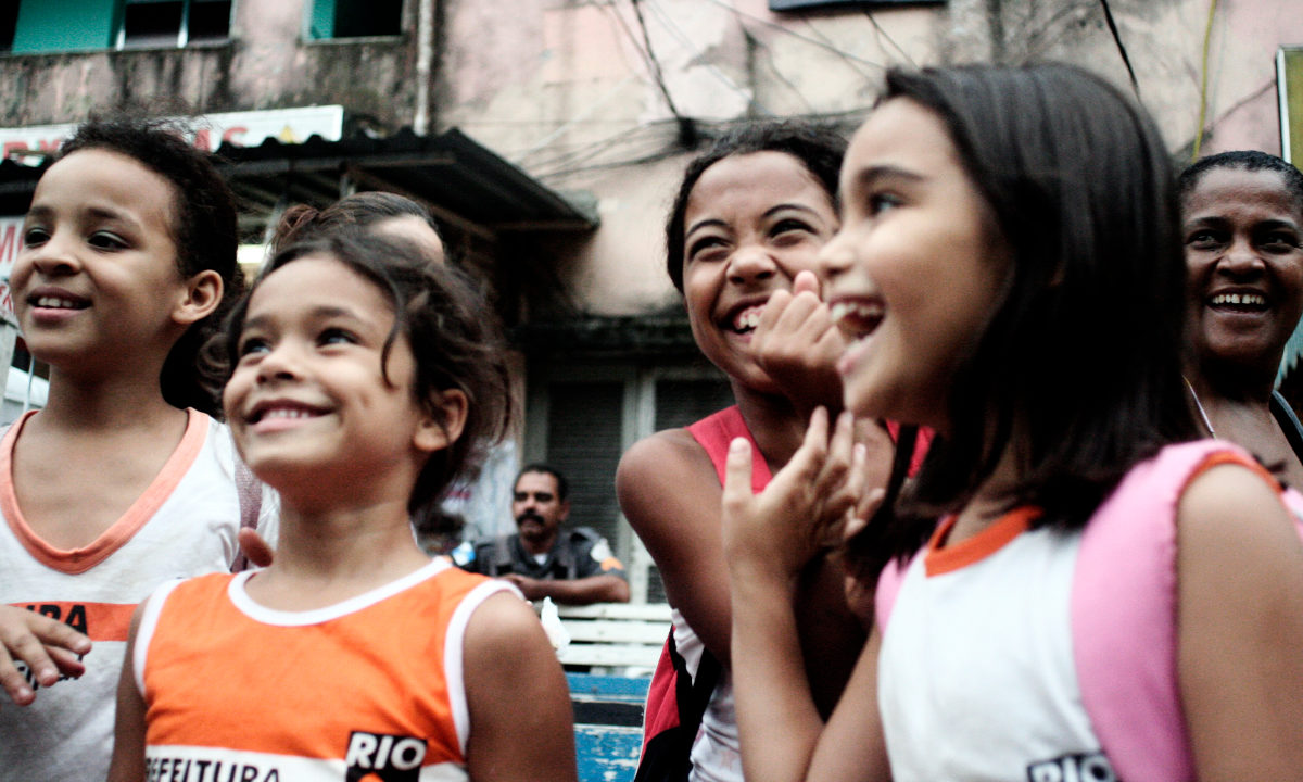 I oktober kom en ny rapport fra Verdensbanken med oppdatering på hvordan det går med FNs mål om å utrydde ekstrem fattigdom innen 2030. Hovedkonklusjonen: for første gang noensinne lever færre enn hvert tiende menneske i verden nå under den internasjonale fattigdomsgrensen.