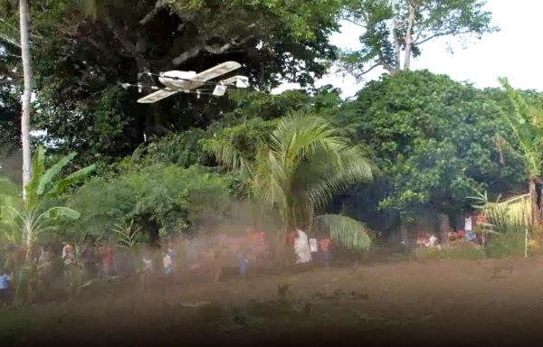 I desember ble den en måned gamle babyen, Joy Nowai, det først barnet i verden som fikk «flygende» vaksine brakt gjennom luften av en drone.