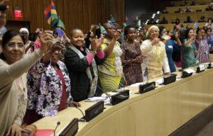 Flere kvinner har fått plass i det tanzanianske parlamentet. Her deltar noen av dem på afrikanske kvinners ledernettverk i juni 2017. Foto: UN Women/Ryan Brown