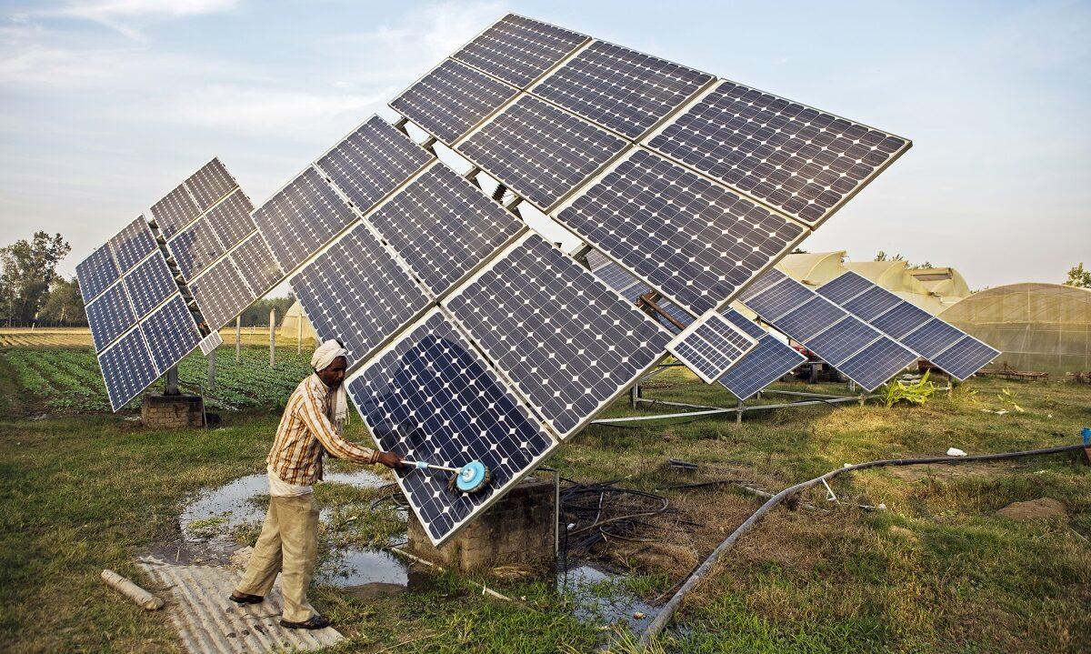 Dei siste ti åra er mengda solenergi i India mangedobla, og somme av dei største solcelleparkane i verda fins no i India. Samtidig flatar veksten av kol ut.