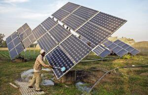 Indien er et af lande, der skruer op for solkraften. Foto: IWMI Flickr Photos CCBY