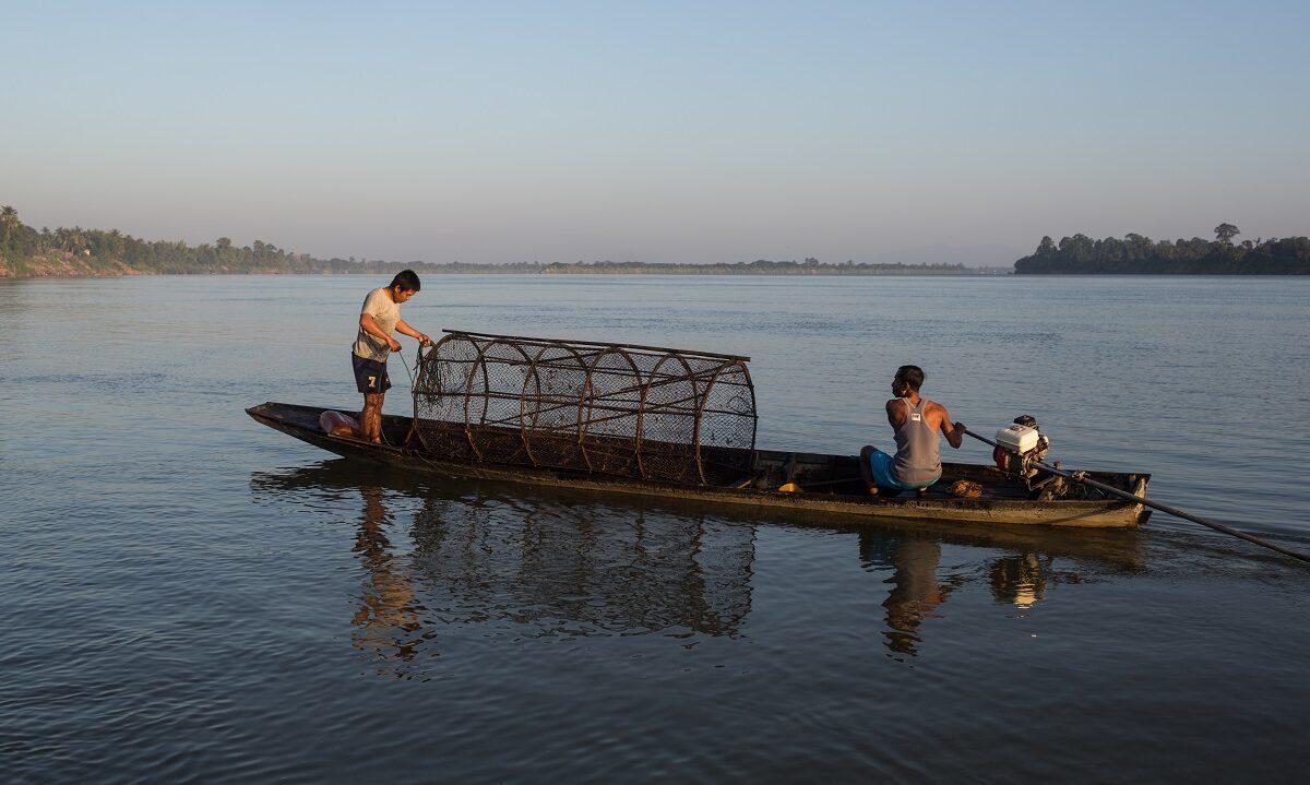 Planer om demninger på tvers av den enorme Mekongelven er blitt skrinlagt i minst 10 år. Det er gode nyheter for mennesker, dyr og miljø. Men nå skal landet finne andre energikilder.