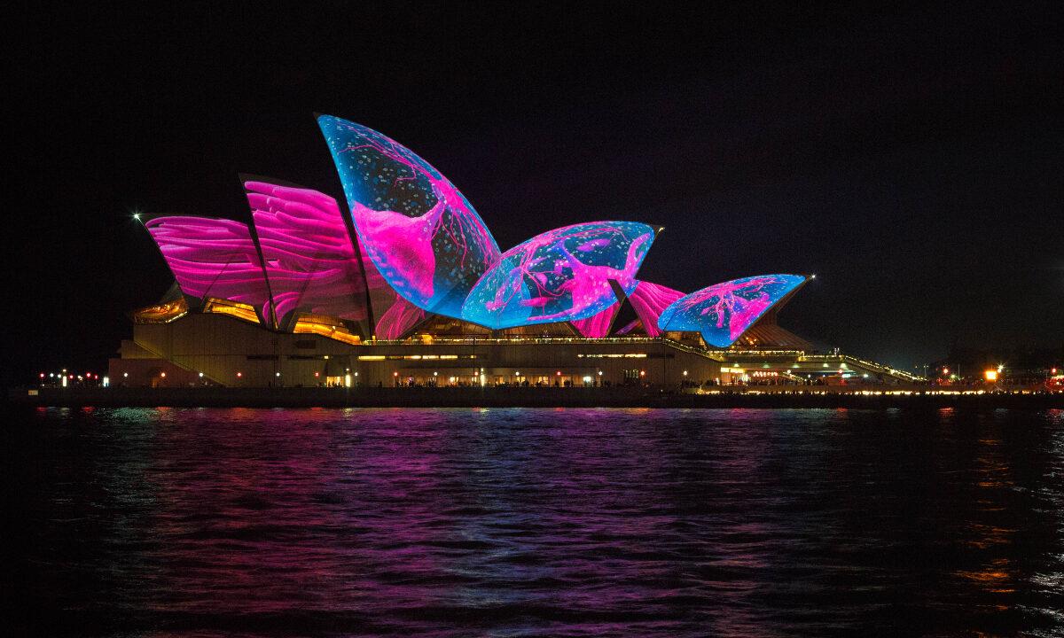 Alle gatelamper og offentlige bygninger i Sydney bruker nå kun fornybar energi. Verdens byer har begynt å sette en ny klimadagsorden.