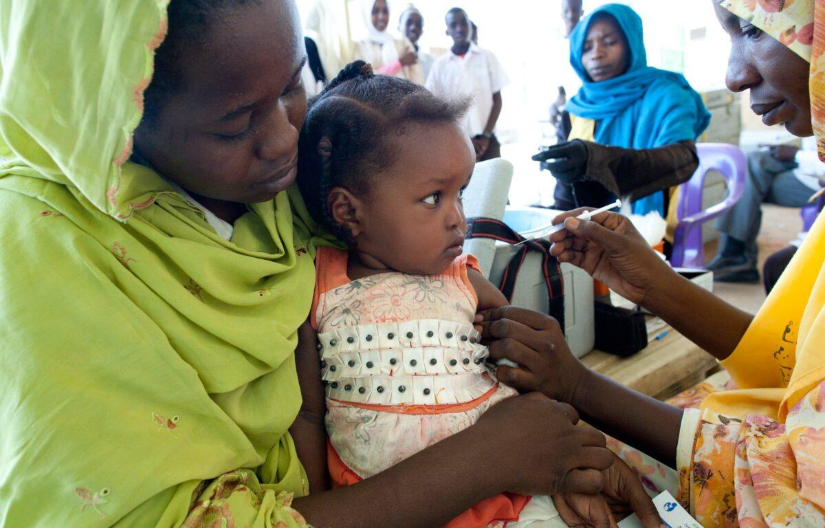 Lungebetennelse er den sykdommen som dreper flest barn på verdensbasis. Men en ny, billigere vaksine kan nå være med på å redde utallige av verdens fattigste barn.