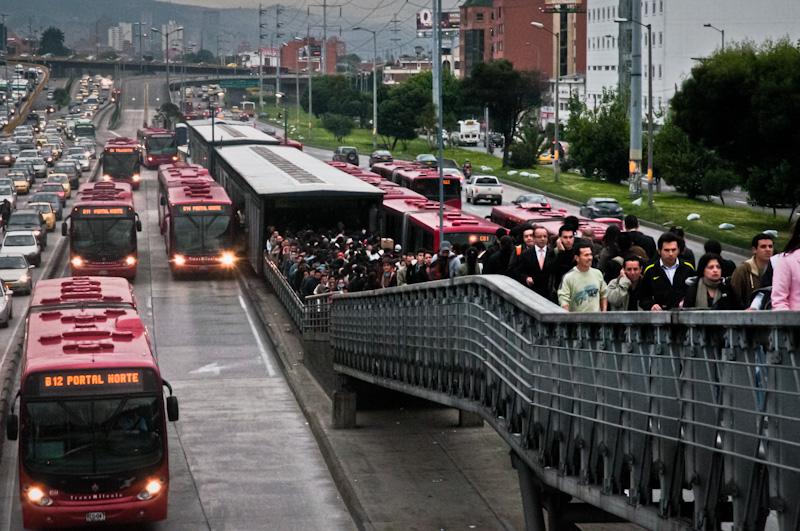 Over tusen nye el-busser kommer nå på veiene i megabyen Bogotá.