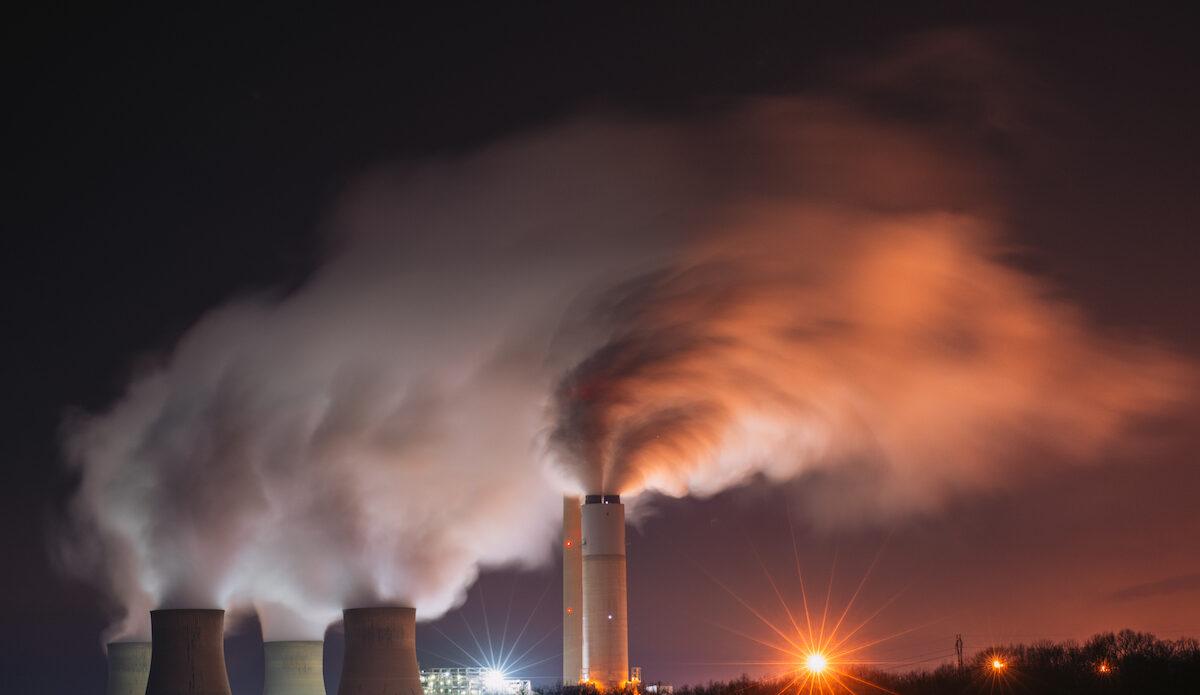 Planlagte kullkraftverk blir avlyst av Asias største, nye økonomier. Fornybar energi er nå også god business.