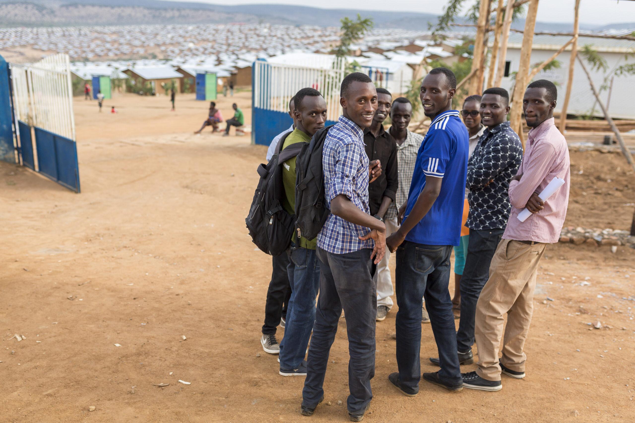 I dag er det det kun 3 % av flyktninger som har tilgang til universitet eller annen høyere utdannelse. Nå har FNs flyktningorganisasjon UNHCR satt seg et hårete mål om at denne andelen skal stige til 15 % innen 2030.